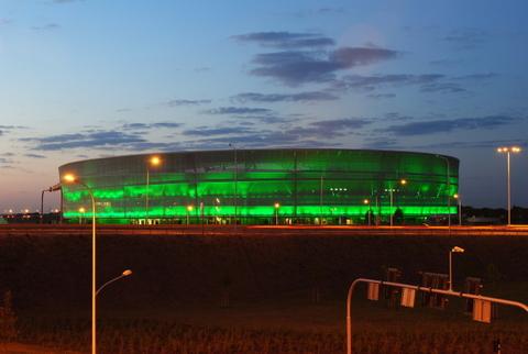 Stadion_Miejski_we_Wroclawiu_-_testy_iluminacji_1-001